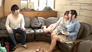 No way to erect with naked (big tits) mother, sister, sister! The breasts of my mother, sister and sister who took a bath together for the first time in a family trip are too big busty than I imagined, and my crotch I couldn'_t keep the... Part2