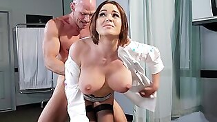 A hot girl is getting fucked by the doctor in the hospital
