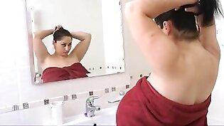 Alicia bathroom