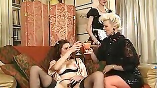 Threesome Lesbian Fisting French Style