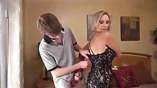Banging hot blonde Mom