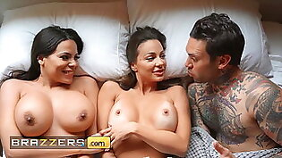 Hot Busty Babes Abigail Mac and Luna Star Had Foursome
